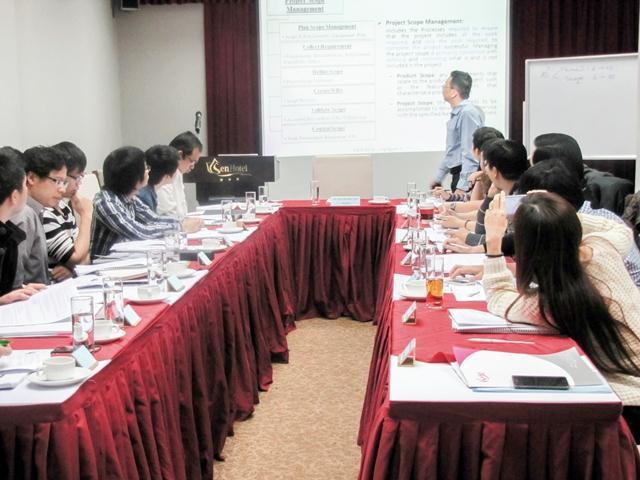 Học viên tham gia khóa học PMP