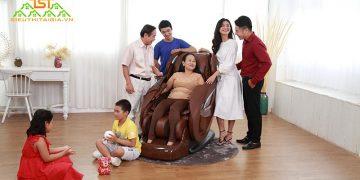 Có nên mua ghế massage toàn thân cho người cao tuổi không?