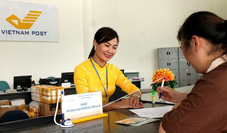 Đổi giấy phép lái xe tại bưu điện