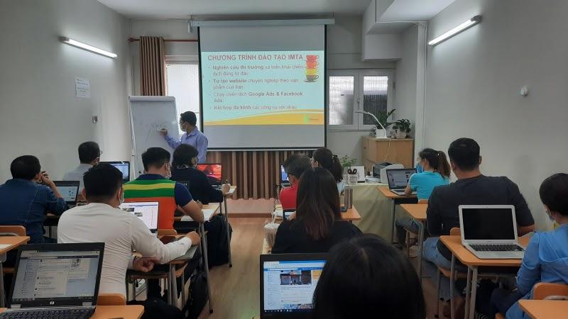 Lớp học Digital Marketing tại IMTA