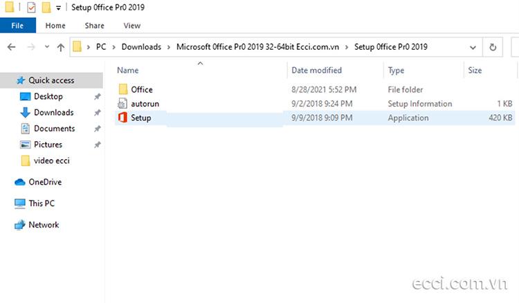 Kích chuột phải vào file Setup.exe chọn Run Administrator.